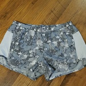 Old Navy gray camo athletic shorts